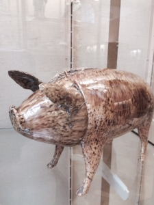 The Sussex pig, with head as cup
