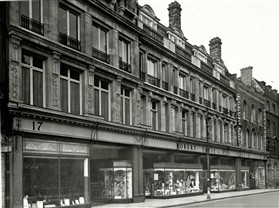 The façade of Robert Sayle's department store in the 1950s.