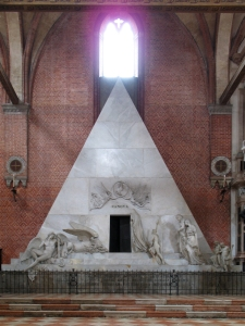 Canova's tomb in the Frari: he had designed it for Titian, but Fate intervened...