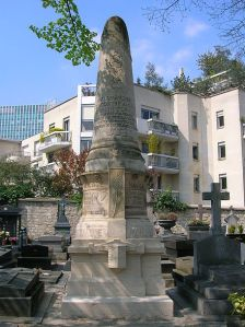 The monument to Dumont D'Urville in the Montparnasse cemetery.