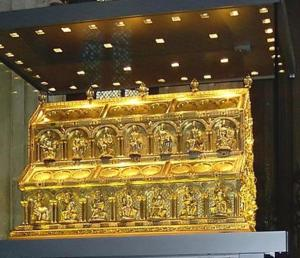 The shrine of the Three Kings in Cologne cathedral.