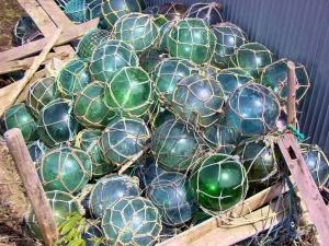 Glass net floats.