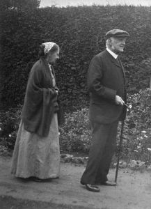 Henrietta and her brother William Erasmus Darwin in later life.