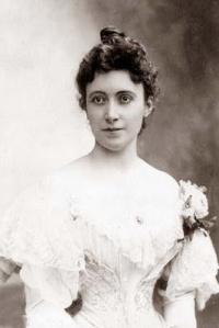 The mezzo-soprano Marie Brema in 1897.