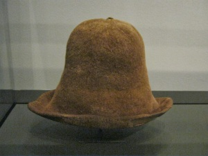 It's not clear whether this hat, the crown shaped by decreasing, was originally brown.