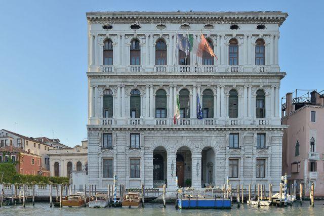 Two of the many Cornaro palazzi in Venice: Ca' Corner della Ca' Granda (above), and Ca' Corner della Regina (below).