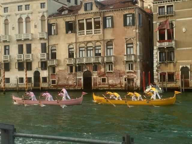 A fierce battle in the six-oars category.
